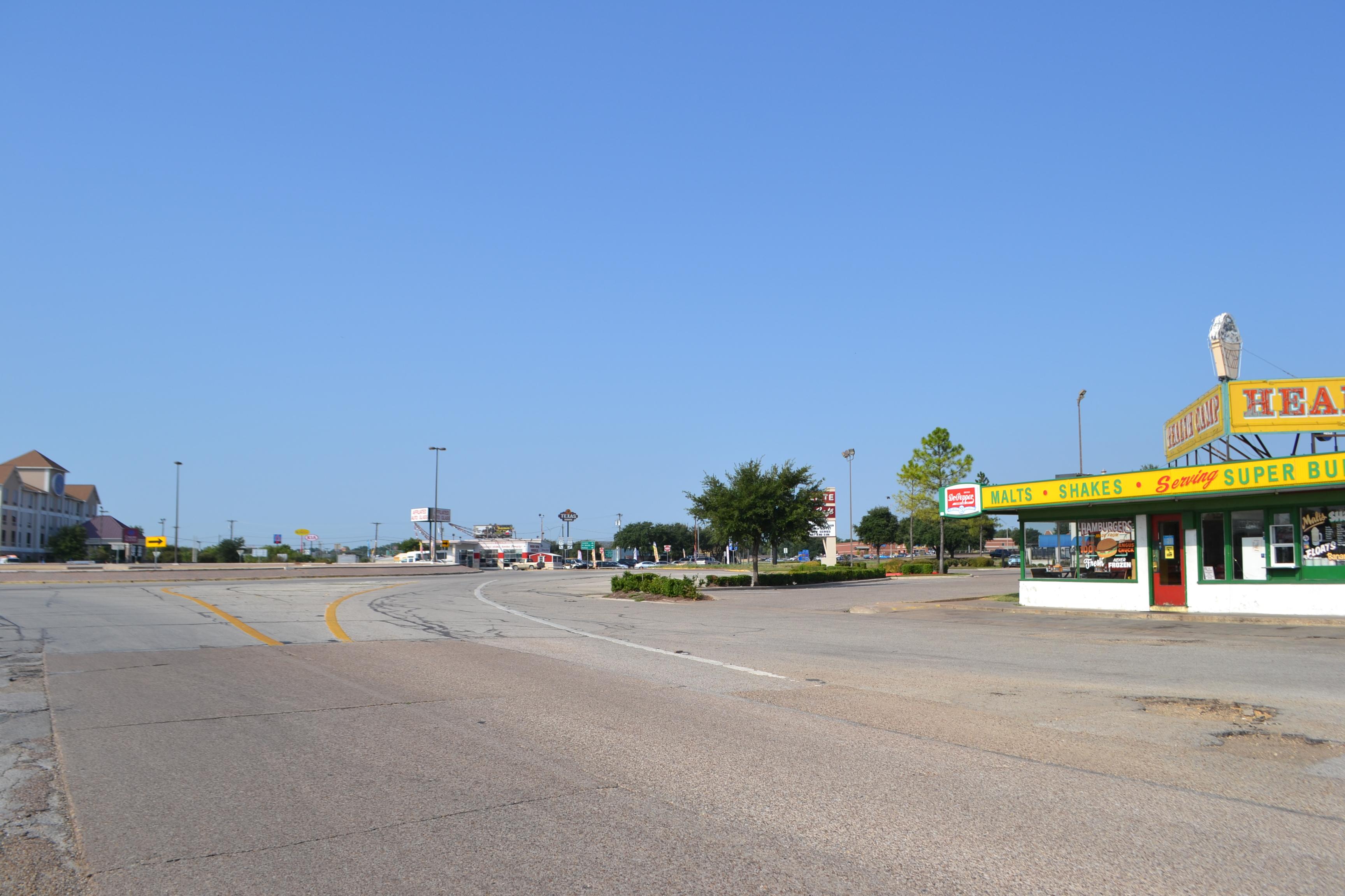 Roundabout, Circle Rd, US 77, Waco   THC Texas gov - Texas