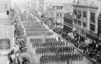 Parade of the 36th Infantry Division in downtown Fort Worth, 1918.