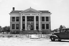 Lipscomb County Courthouse, 1940.