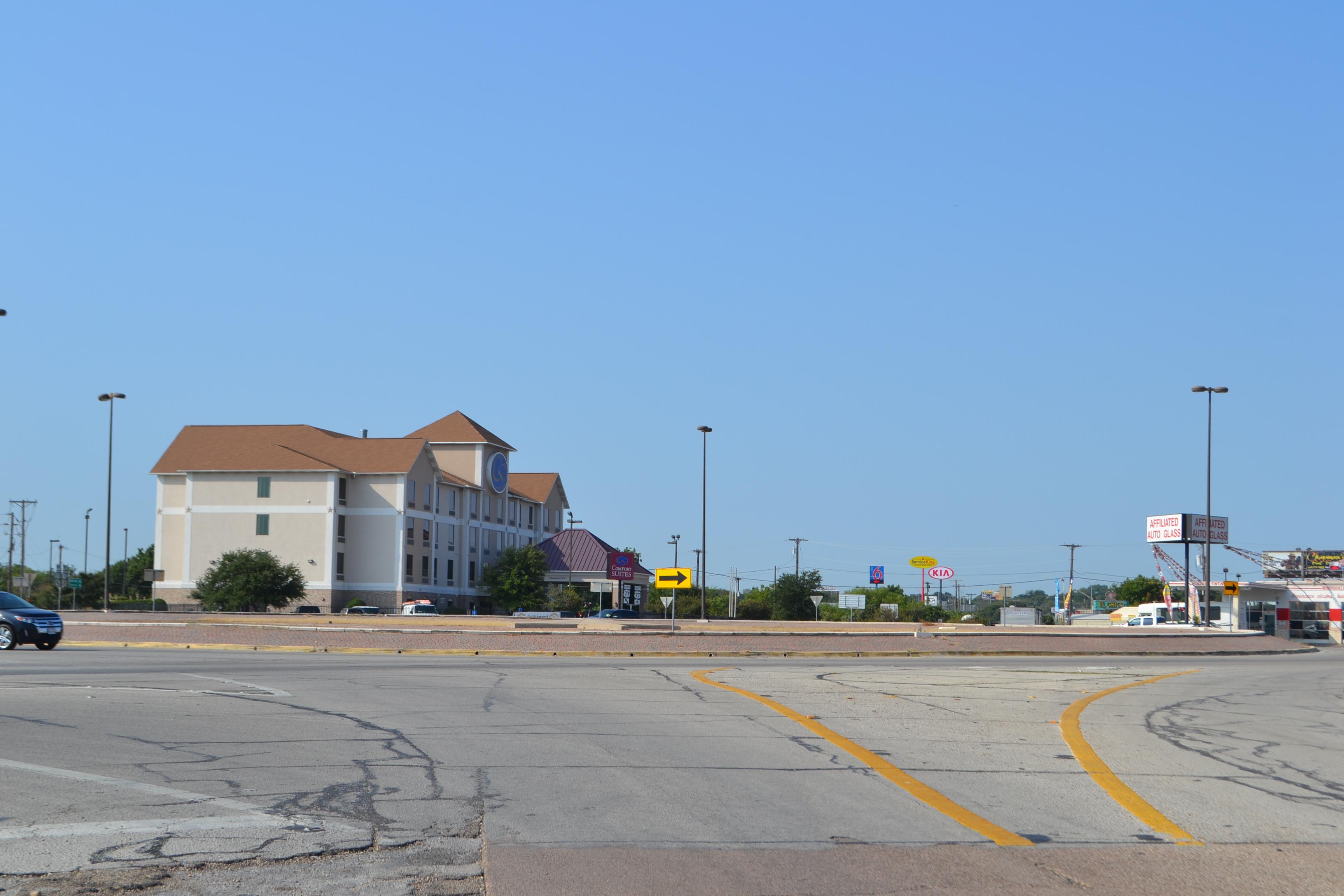 Roundabout, Circle Rd, US 77, Waco | THC Texas gov - Texas