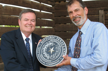 THC Archeology staff member awards Texas landowner the Historic Texas Lands Plaque