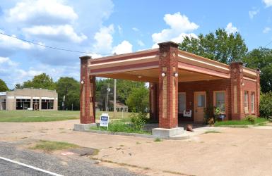 gas station, Mt Vernon