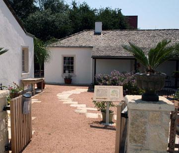 Casa Navarro courtyard.